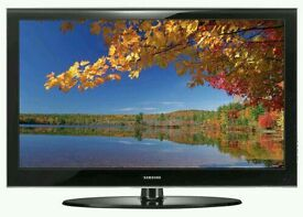 """Samsung 40"""" LCD tv full hd 1080p built in freeview tv is in mint"""