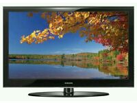 """Samsung 40"""" LCD tv full hd 1080p built in freeview tv is in mint condition fully working ."""
