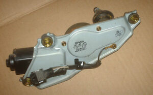 SAAB 9-3,900 Windshield Wiper Motor - Rear