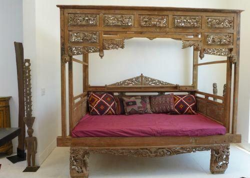 Hand Carved Bed: Hand Carved Bed