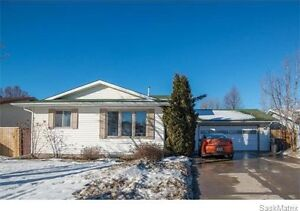 Beautiful Erindale house! MOTIVATED SELLER TO SELL FAST!!
