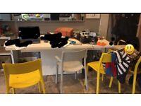 Free extending modern white dining table