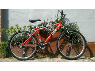 mens mountain bike Raleigh mantaray 18 spd front suspension great condition