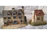 Lilliput Lane Miniature Collectibles - Cottages & Places of Interest