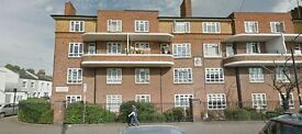 4 bedroom flat in Carnwath Road, Fulham, SW6