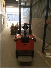 BT SPE-125 2007 Rollertruck Electric Forklift with stand on capacity