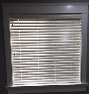 FREE: White Blinds for Window aprox 44.5 by 44.5