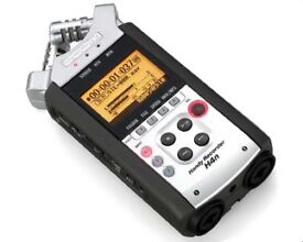 Zoom H4n Handy Recorder (4-track) w/SD card and wall-charger!