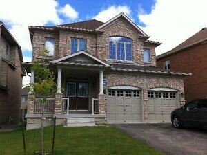 Newmarket Detached 4 BR House in Cooperhills,404&Wellington