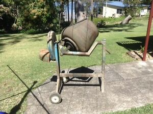Cement Mixer Soldiers Point Port Stephens Area Preview