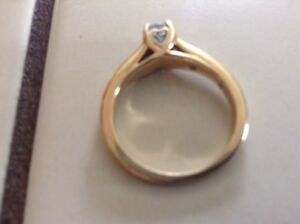 Engagement ring with heart shaped accents Sarnia Sarnia Area image 3