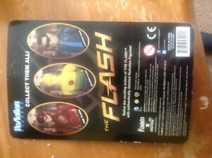 Action figure mint condition! From the tv show The Flash! Kitchener / Waterloo Kitchener Area image 2