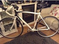 Racing bike new condition £180