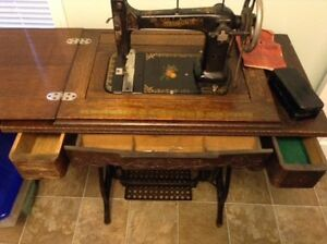 Antique Raymond Sewing Machine Kawartha Lakes Peterborough Area image 7