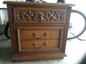 Wood dresser / side table/ night stand- FREE delivery Kitchener / Waterloo Kitchener Area image 1