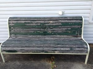 Heavy wood-steel bench