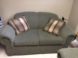 Couch And Loveseat Cornwall Ontario image 2