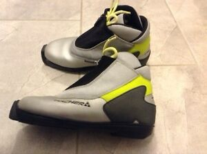 Fischer cross country ski boots