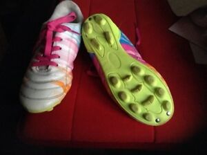 Girls size 2 cleats