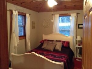 4 bedroom cottage with central air at Ipperwash Beach