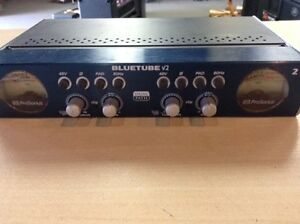 Tube and solid state preamp all in one