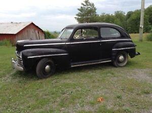 1947 Ford 2 door deluxe