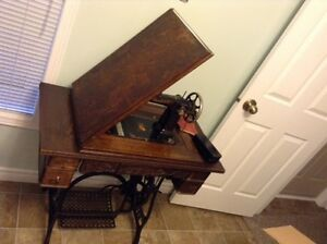 Antique Raymond Sewing Machine Kawartha Lakes Peterborough Area image 5