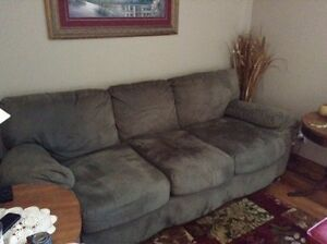 Big Couch And Chair Cornwall Ontario image 4