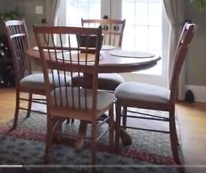 Dining table (and 2 leaves) plus 4 cushioned chairs.