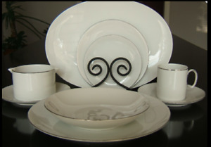 Service de vaisselle en porcelaine