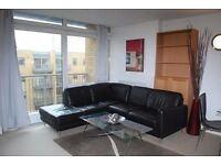 Modern 1 Bed Apartmen in Constable House, Close to Canary Wharf, Pool, Gym, Concierge- VZ