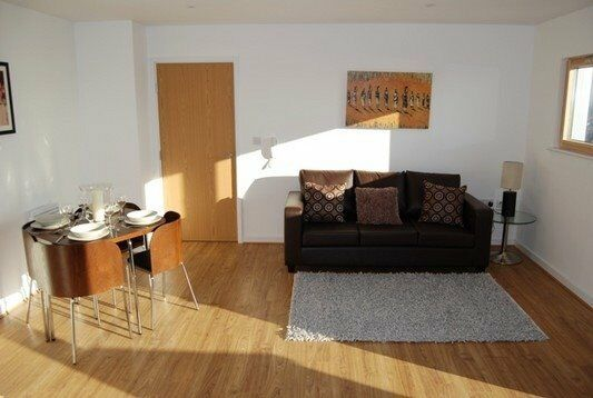 MODERN 2 BED 2 BATH APARTMENT AVAILABLE NOW IN BARKING ESSEX WITH BALCONY AND 24 HOUR CONCIERGE