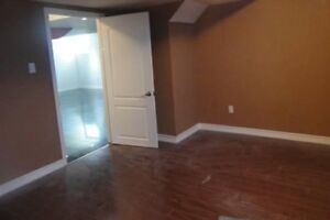 Sublet Basement Master Bedroom Vaudreuil Dorion $700!