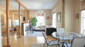 MODERN STUDENT HOUSING - Private Rooms in the heart of Ridgetown