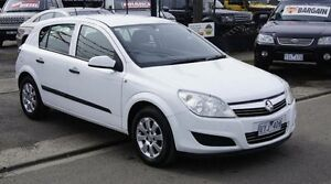 2007 Holden Astra AH MY07.5 CD Silver 5 Speed Manual Hatchback Brooklyn Brimbank Area Preview