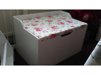 TOY BOX WITH SEAT AND STORAGE