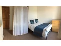 Double room to rent in professional house