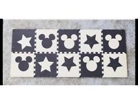 Mickey puzzle mat