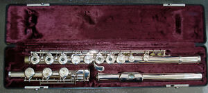 ARMSTRONG Model 303B Intermediate/professional Flute