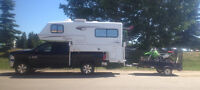 2006 Bigfoot 25C9.4SB Truck Camper