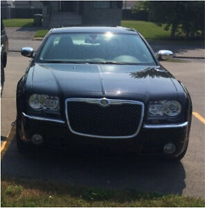 Chrysler Luxory 300C V8 HEMI 2010 (37000km) serious offers only West Island Greater Montréal image 5