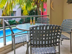 Luxurious 2 B.R. condo, steps from the beach, Playa del Carmen