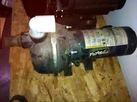 Pompe à eau électrique  HP 1 1/2  FLOTEC