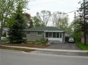 FOR RENT AURORA  Bungalow On Large Premium Ravine