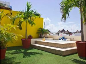 2 b.r. PENTHOUSE w/rooftop jacuzzi near beach, Playa del Carmen