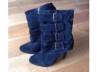 IMMACULATE CONDITION! Stunning River Island ladies stiletto buckle boots