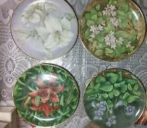 11 Provincial / Territorial Floral Emblem Collectible Plates London Ontario image 3
