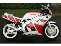 YAMAHA FZR 400cc. Sports bike. Superbike. Inline 4. Open to swaps and offers but don't be silly..