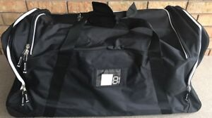 Brand new wheeled hockey bag  / Duffle bag brand new