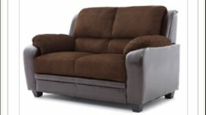 2 SEATS COUCH IN BROWN MICROFIBER & LEATHER LOOK FOR ONLY 385$
